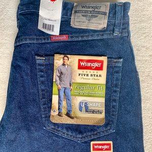 NWT - Wrangler Regular/Straight jeans - 36*30
